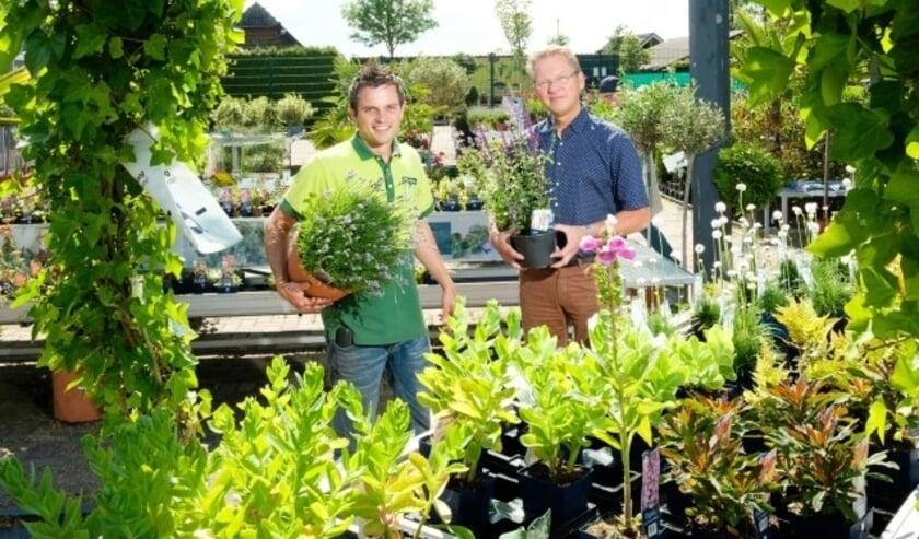 """Het tuincentrum staat onder leiding van vader en zoon Focke en Stephan Segers. """"Wij kijken er naar uit om onze klanten welkom te heten.'' (Foto: GroenRijk)"""