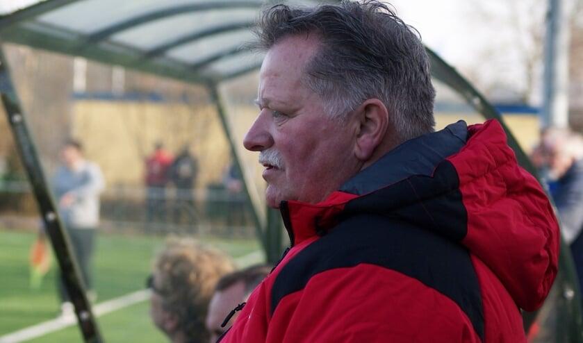 • Cees van Bavel in 2018 als interim-trainer van SVW.