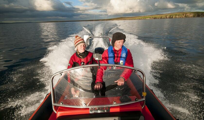 • Fiona en Melvin in de expeditieboot.