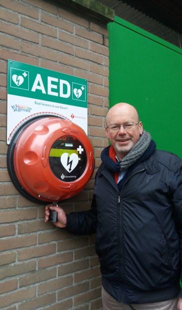 • Stem van Krimpen-raadslid Bert Luijendijk bij een AED.