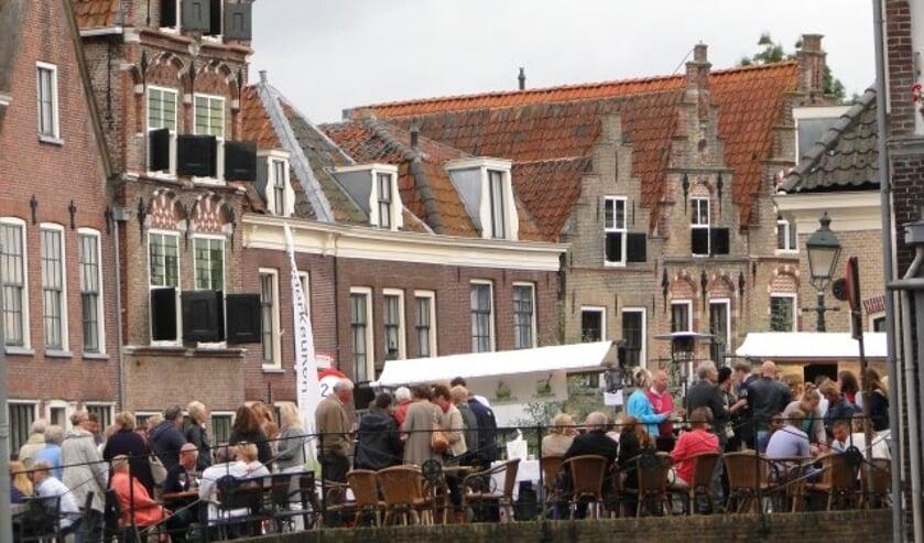 Pracht aan de Gracht, volop genieten met elkaar in hartje Oudewater. (Foto: Archief Margreet Nagtegaal)