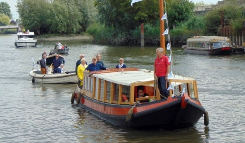 De - verlate - aankomst van het Utrechtse vlaggenschip Jan Kordaat en zijn volgelingen vanuit IJsselstein.