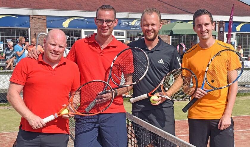 •  Het duo Kers/Van Veen (rechts) won de titel in het HD4.
