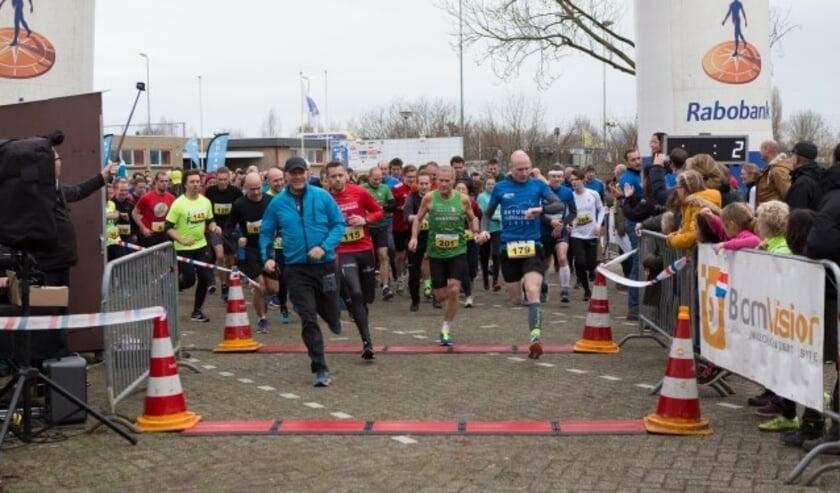 500 lopers bij de Betuwse Oliebollenrun 2018 in Tiel