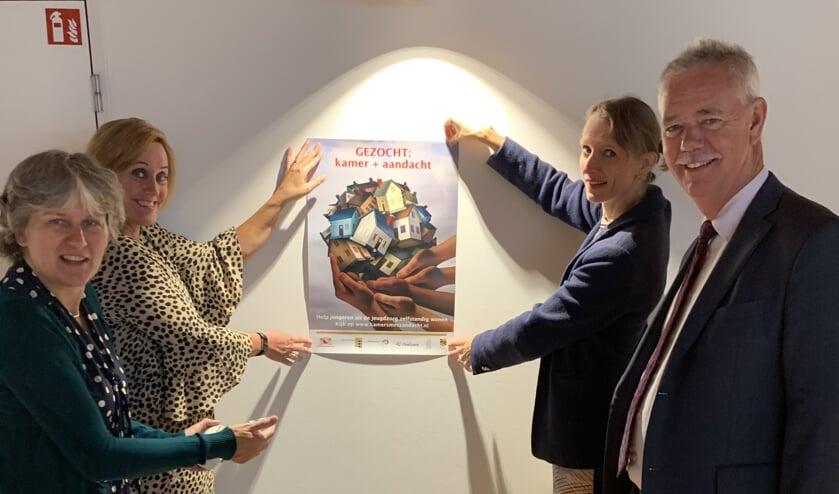 • De wethouders Jana Smith (Houten), Ellie Eggengoor, Marieke Schouten (Nieuwegein) en Johan van Everdingen (Lopik) starten de zoektocht naar 'kamers met aandacht'.