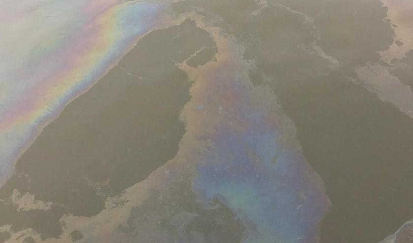 • Het oliespoor is zo'n 10 kilometer lang.