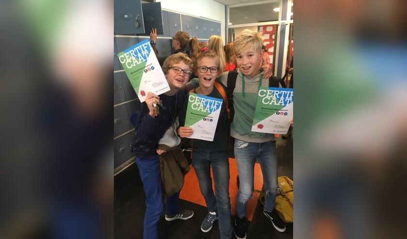 • Koen, Jason en Stijn behaalden hun Mediawijsheid paspoort,