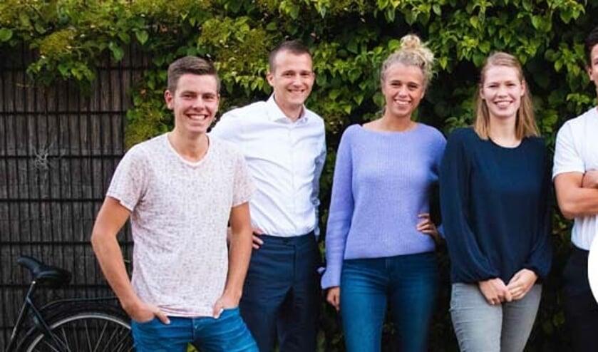 • Een afvaardiging van de jongerenafdeling van CDA Molenlanden, met Dagmar van den Herik als derde van links.
