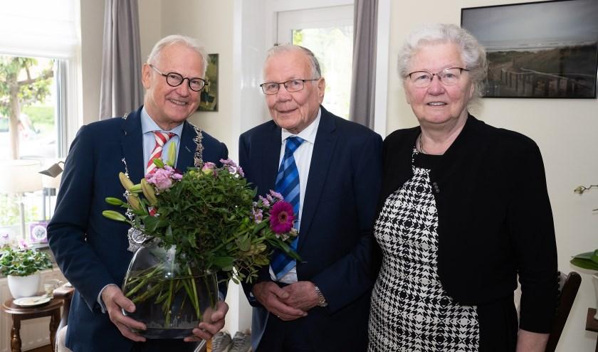 Echtpaar Van Oostenbrugge-van den Hoeven 60 jaar getrouwd