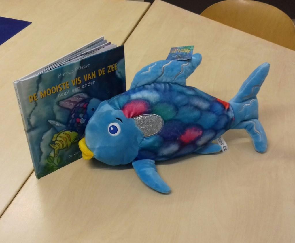 Boek 'Het mooiste visje van de zee' Foto: CBS Rehoboth © Alblasserwaard