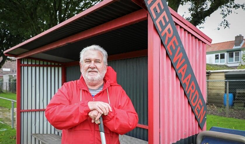 • Hans van der Velden is de man van het onderhoud op sportpark De Buke.