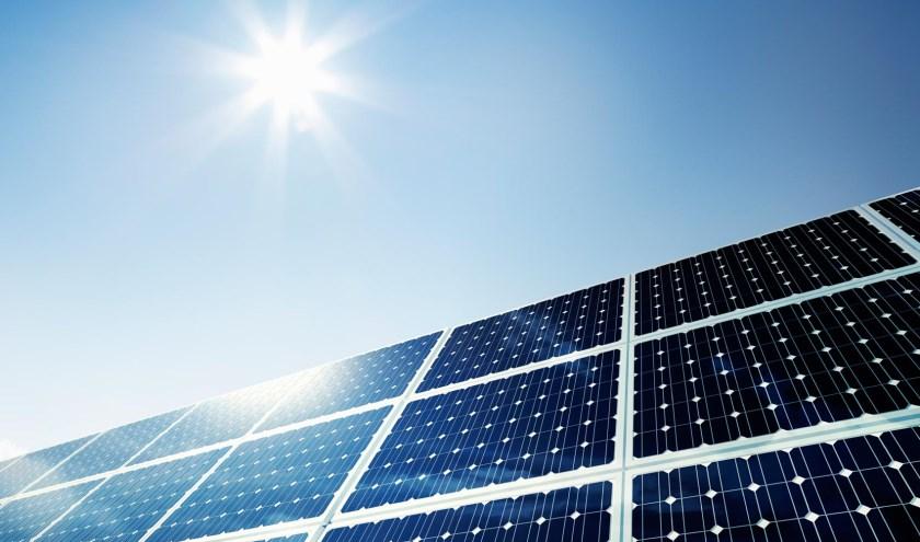 • Zonnepanelen zijn één van de maatregelen om een woning duurzamer te maken.