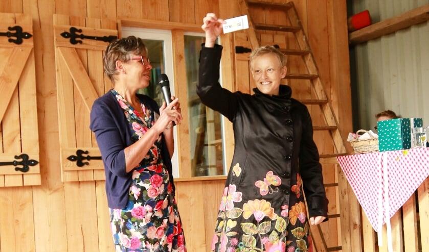 • Martine Vonk tijdens de opening van de zelfservice boerderijwinkel Symbiose in Noordeloos op zaterdag 7 september van dit jaar.