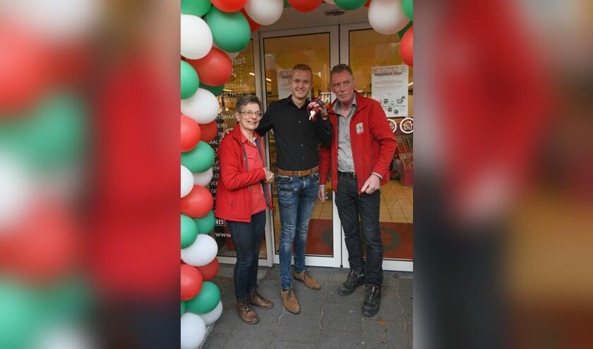 • De oude en de nieuwe eigenaars, met v.l.n.r. Wil Roelse, Dirk Willemstein, Peter Roelse.