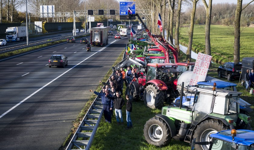 Actie boeren langs A15