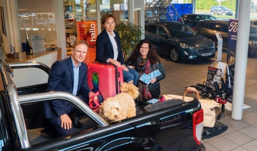 • Organisatoren Nico Treure (Ford Wensveen), Anita Toes (Businessclub De Twijn) en Dimphi van Amen (N@med).