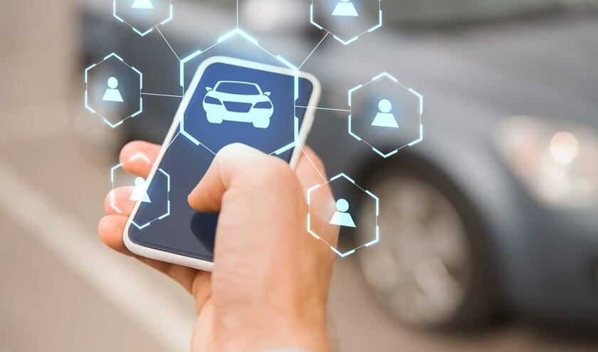 • Met de smartphone kan een deelauto worden gereserveerd.