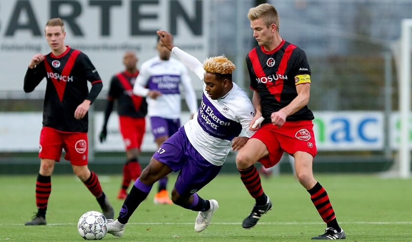 • LRC Leerdam - Papendrecht (4-0).