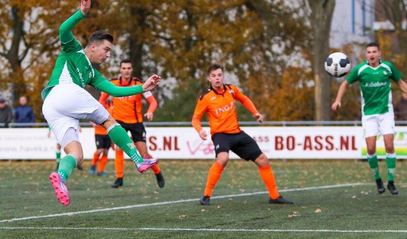 • Nieuw-Lekkerland - Terneuzense Boys (5-0).