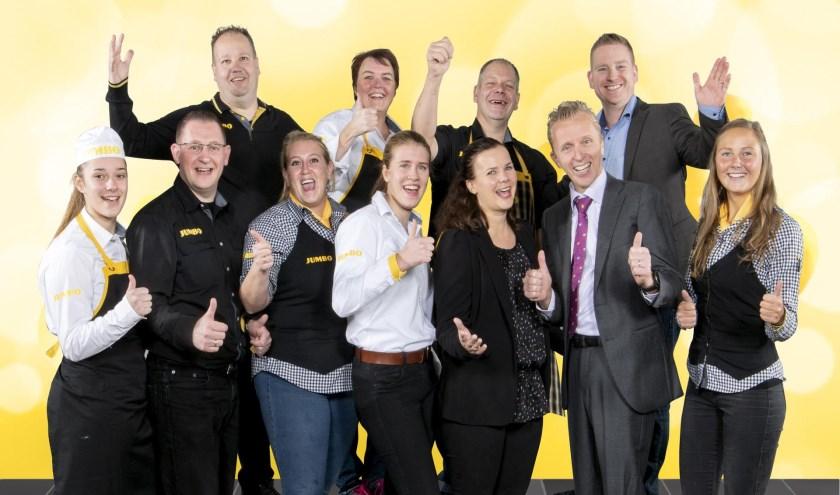 • Het team van Jumbo Zaltbommel tijdens de '7 Zekerheden Training' van de Jumbo Academy op het hoofdkantoor van Jumbo Supermarkten in Veghel.