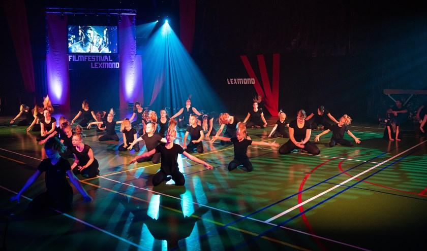 Uitvoering gymvereniging V.E.K. Lexmond