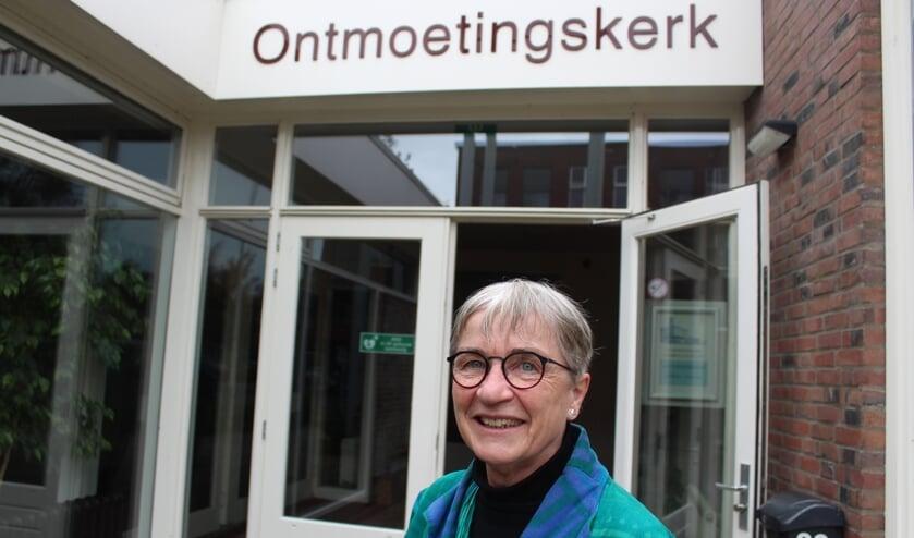 Ds. Lucy Schermers: de deur van de Ontmoetingskerk staat open voor iedereen.