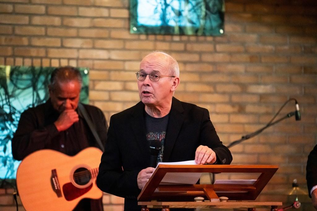 Johnny Cash-dienst in  Leerdamse Bethelkerk Foto: Nico Van Ganzewinkel © Leerdam