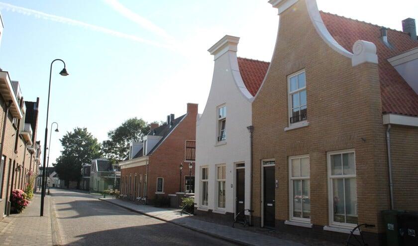 • Woningen aan de Dorpsstraat in Gouderak.