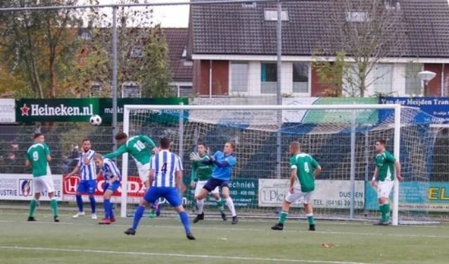 • Almkerk - Nieuw-Lekkerland (0-3). Foto: Jan Noorloos © regiosport