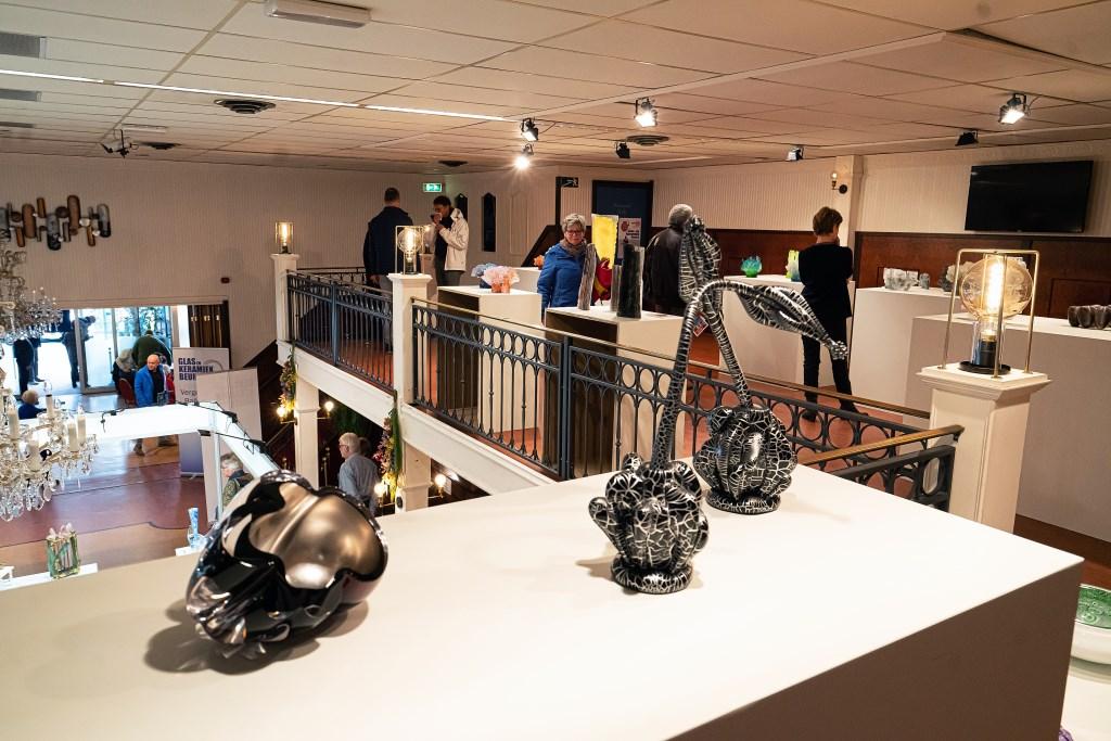 Glas en Keramiekbeurs in Leerdam Foto: Nico Van Ganzewinkel © Leerdam