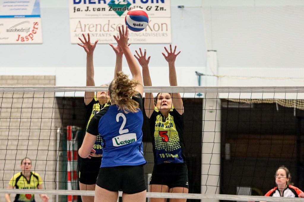 • Volley Meerkerk'95 - Spivo (3-1). Foto: Rick den Besten  © Alblasserwaard
