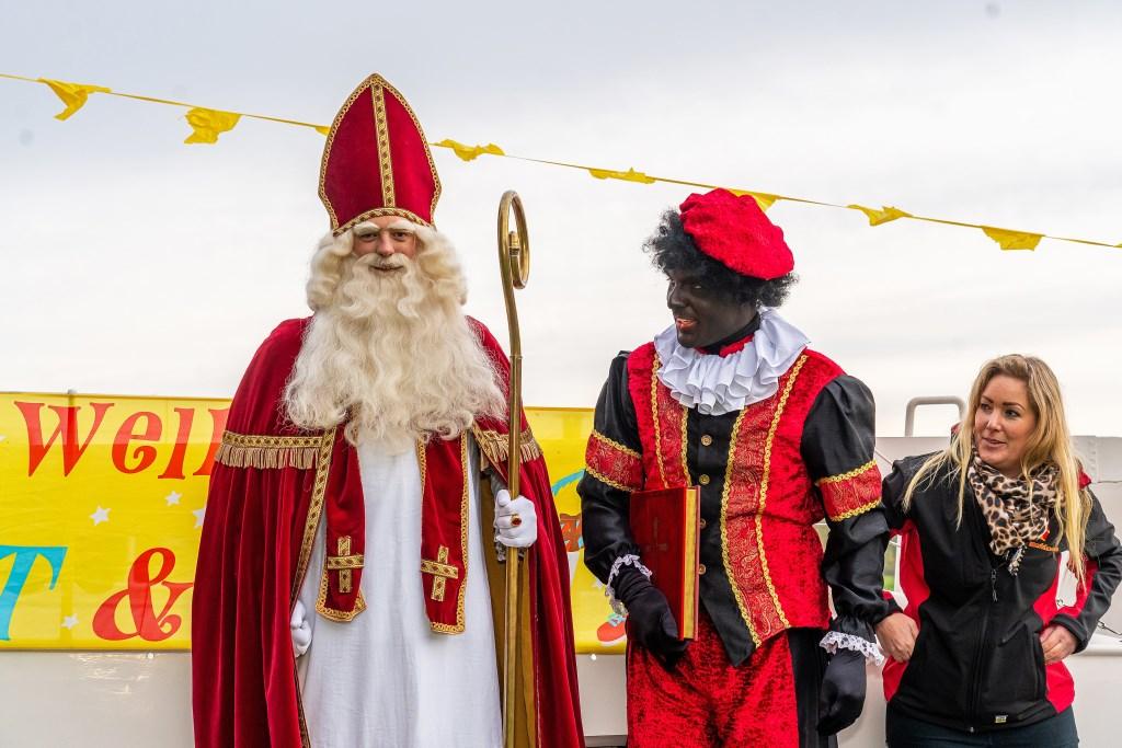 Intocht Sinterklaas  In Beesd Foto: Nico Van Ganzewinkel © Leerdam