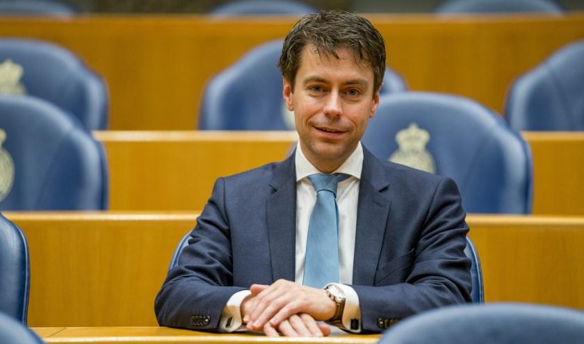 • Chris Stoffer zal in Nieuwaal spreken over actuele ontwikkelingen in Den Haag.
