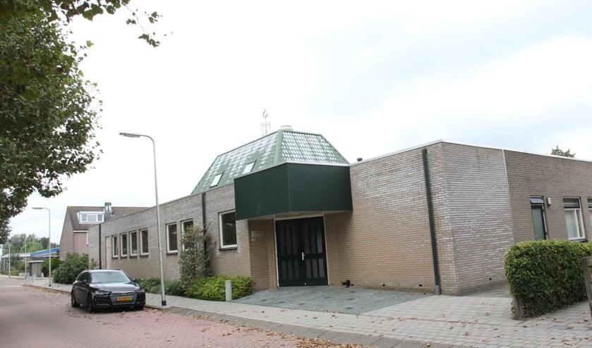 • De huidige kerk aan de Prinses Beatrixstraat.