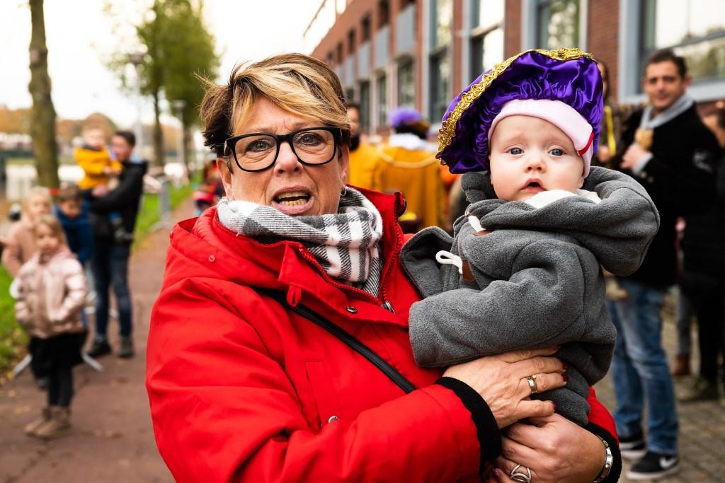 Aankomst Sinterklaas in passantenhaven Vianen Foto: Nico Van Ganzewinkel © Vianen