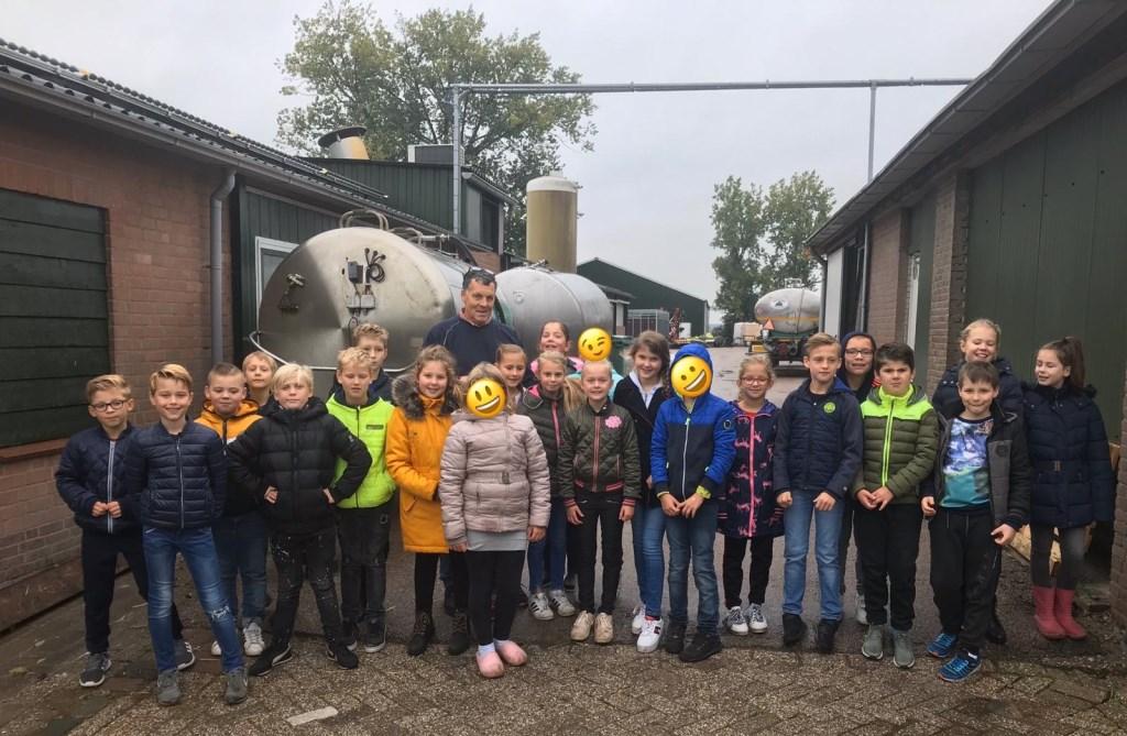• Kinderen van vier basisscholen bezochten o.a. een kaasboerderij en een imkerij. Foto: aangeleverd © Heusden en Altena