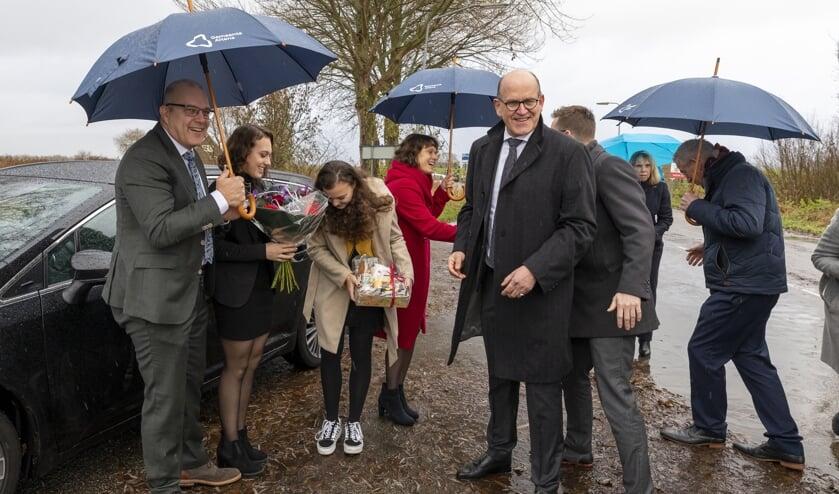 Egbert Lichtenberg en zijn gezin worden welkom geheten bij Kop van 't Land.
