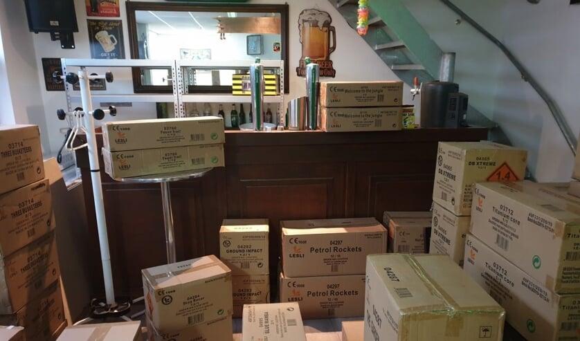 • De dozen met vuurwerk horen in een speciale vuurwerkkluis te liggen.