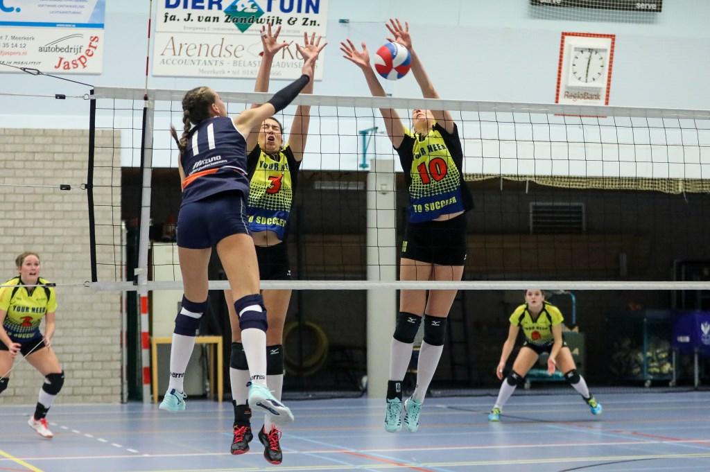 • Volley Meerkerk'95 - Next Volley (3-2). Foto: Rick den Besten  © Alblasserwaard