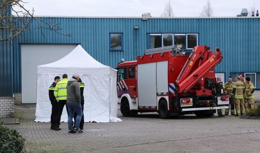 • De tent die geplaatst is door de brandweer.