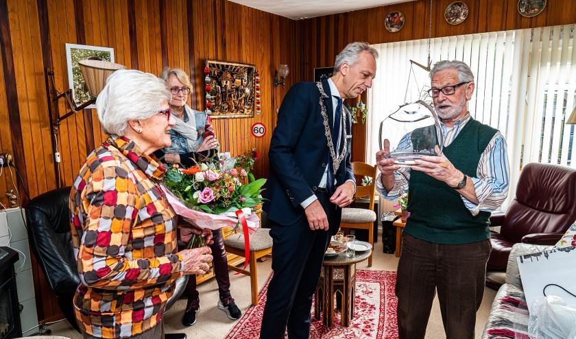 Echtpaar de Wolf-Beek 60 jaar getrouwd
