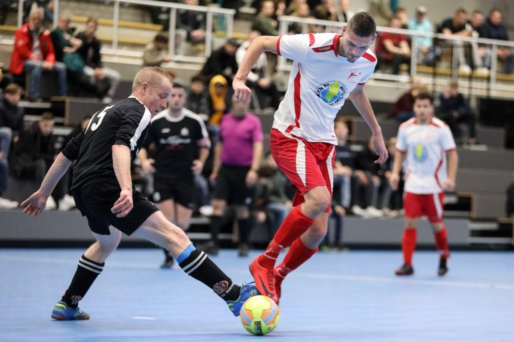 • Dussense Boys - Heukelum (4-6). Foto: Rick den Besten - Regio-Voetbal © regiosport