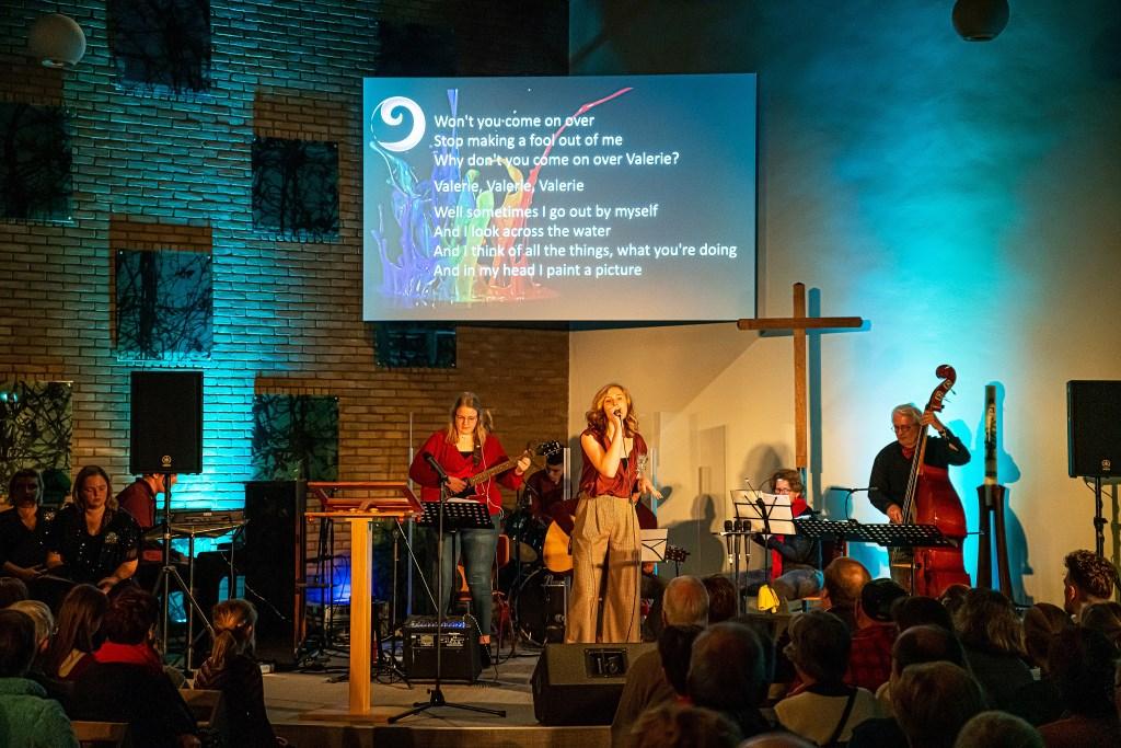 Top 2000 dienst in Leerdamse Bethelkerk Foto: Nico van Ganzewinkel © Leerdam