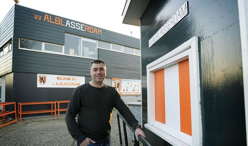 • Alblasserdam-trainer Dennis Schoonewil.