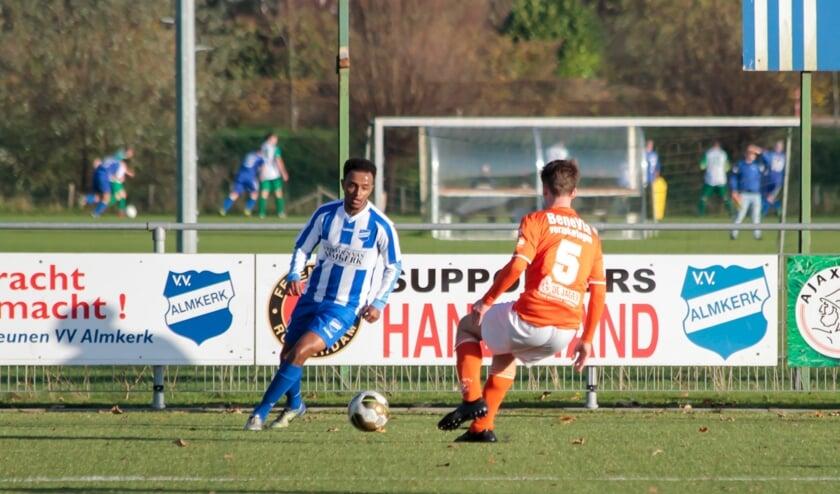 • Almkerk - Oranje Wit (0-0).