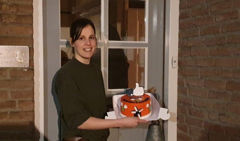 • Esther de Jong-Mourik met haar Mooi-Molenlandentaart.