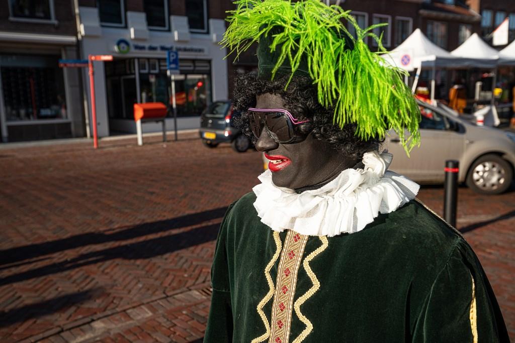 Pietenfestival op Viaanse Voorstraat Foto: Nico Van Ganzewinkel © Vianen