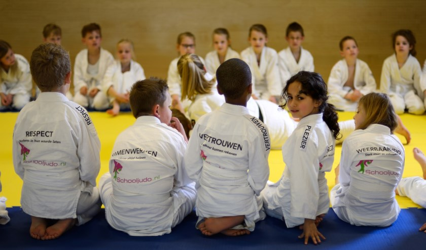 • Leerlingen van de scholen van Stichting Onderwijs Primair in de Krimpenerwaard krijgen judoles.