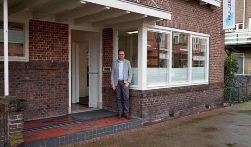 • Mark Huijzer bij zijn advocatenkantoor in Papendrecht.