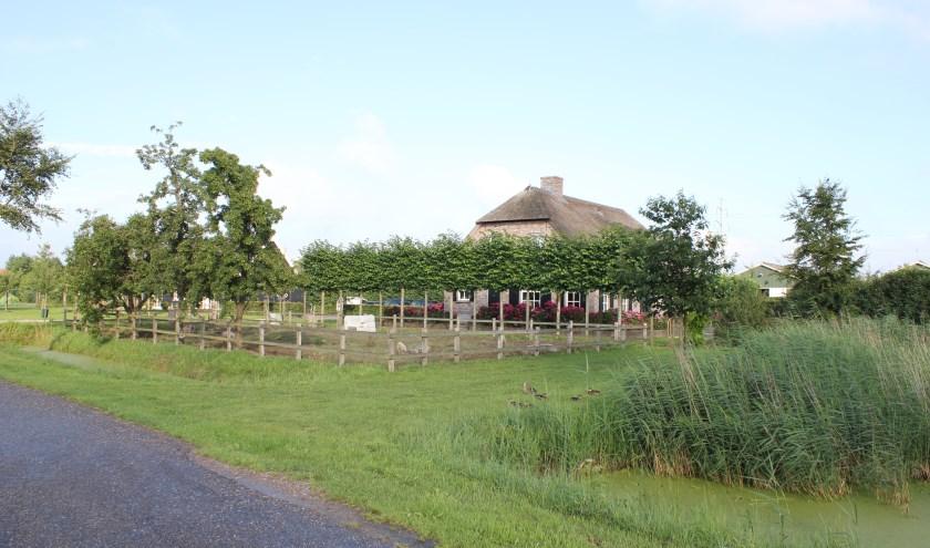 • De boerderij van Van der Schans in Hurwenen.